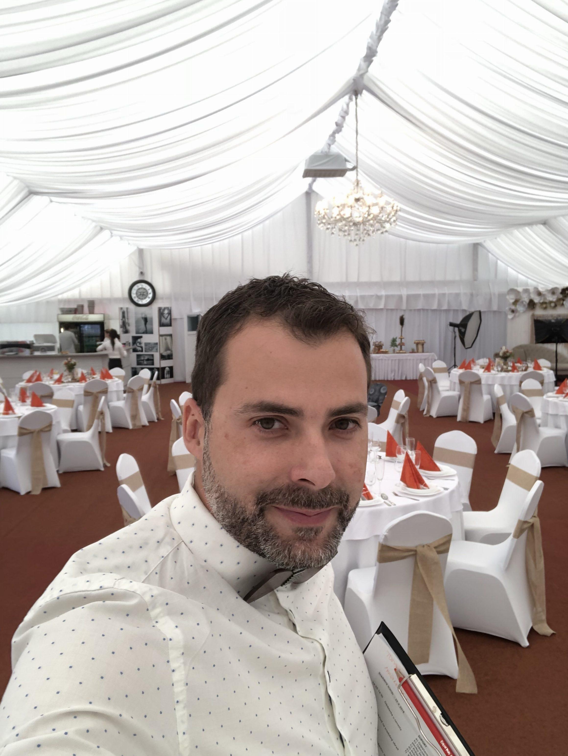 a10b3281d Miesto na svadobnú hostinu stan BARUS - Starejší moderátor Gbelce